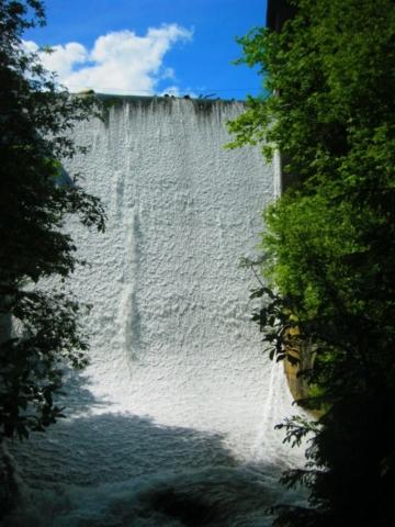 Kunstmatige waterval in Oostenrijk
