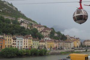 De overkant van de Isere bij Grenoble