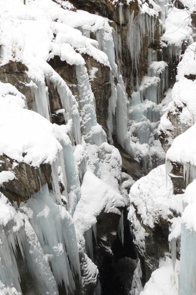 Bevroren kloof bij de Klammsee
