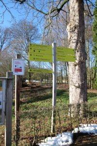 Wegwijzer in natuurgebied Veluwezoom-Posbank