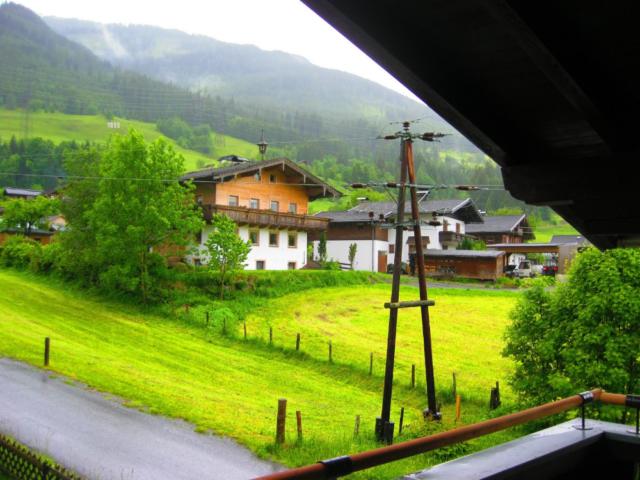 Uitzicht vanaf het balkon in Oostenrijk