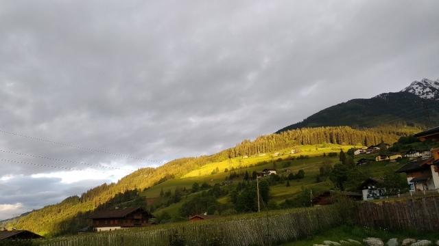 Zon op de Oostenrijkse bergen