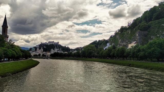 De Salzach met zicht op Salzburg